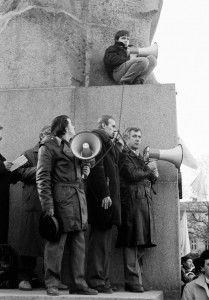 Manifestación frente el Palacio de Invierno de St. Petersburg, 1990-1991