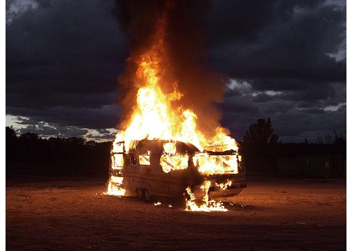 Le feu. Foto: Mathieu Pernot