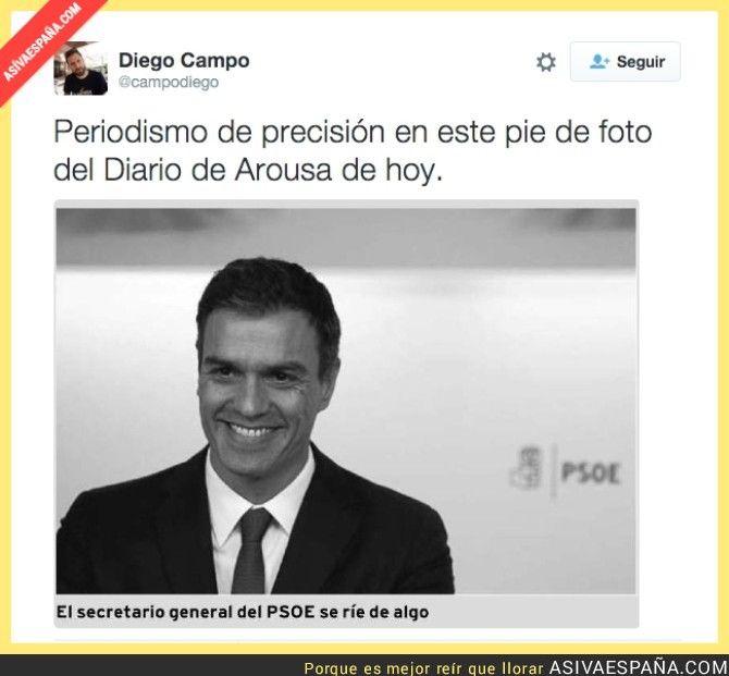 Pedro Sánchez se ríe de algo