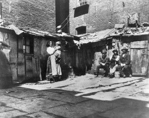 Yard in Jersey Street (now gone) where Italians lived in the then worst slums. Barrio italiano.