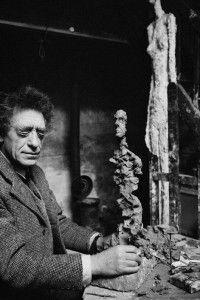 Paris. 1960. Alberto Giacometti, pintor y escultor, en su estudio. © Rene Burri/Magnum Photos