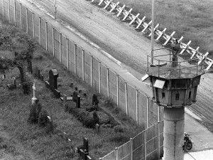 Cementerio de los que intentaron saltar el muro y no lo consiguieron