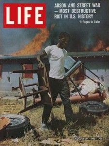 Revista LIFE sobre los disturbios de 1965 en Los Angeles