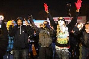 Manifestantes durante las protestas en Ferguson