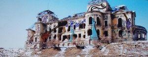 Edificio destruído por la guerra de Afganistan y pintado por Hassani