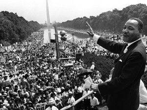 Martin Luther King dirigiendose a los congregados con su famoso discurso 'I Have a Dream'