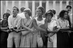 Blancos y negros unidos por una reclamación. Foto: Leonard Fredd