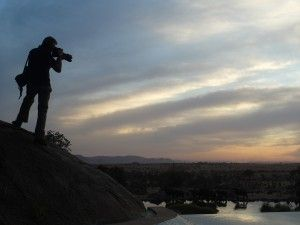 Frederic Noy fotografiando el Serengeti. Foto: Philip Bethge