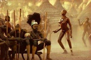 Danza que practican las mujeres para encontrar marido en la etnia Nuba de Kau