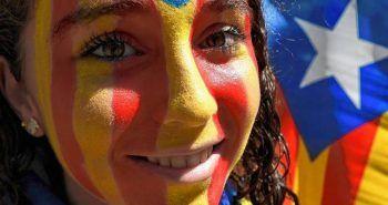 Chica en la manifestación independentista en Barcelona