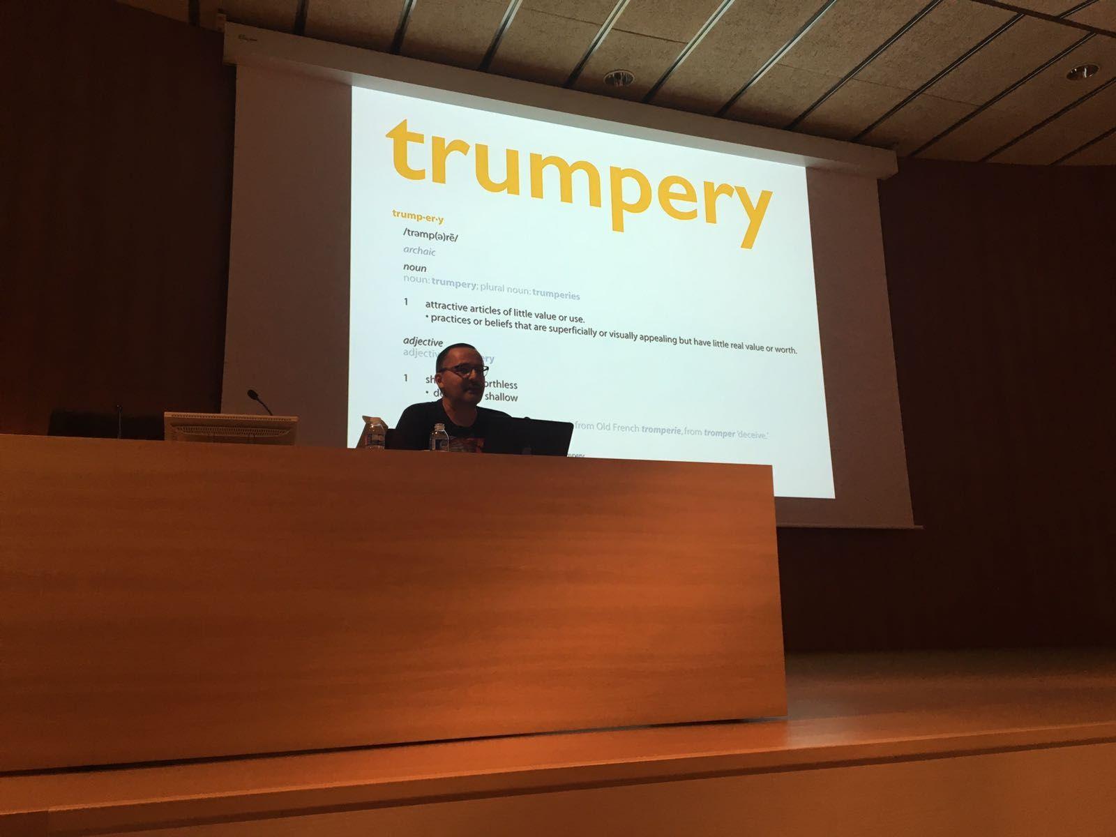 Alberto Cairo explicando Visual Trumpery