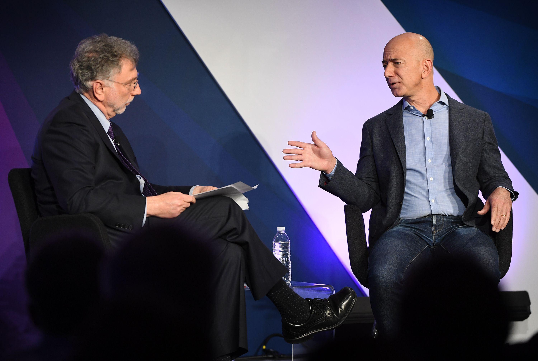 Mayo de 2018. Martin Baron y Jeff Bezos